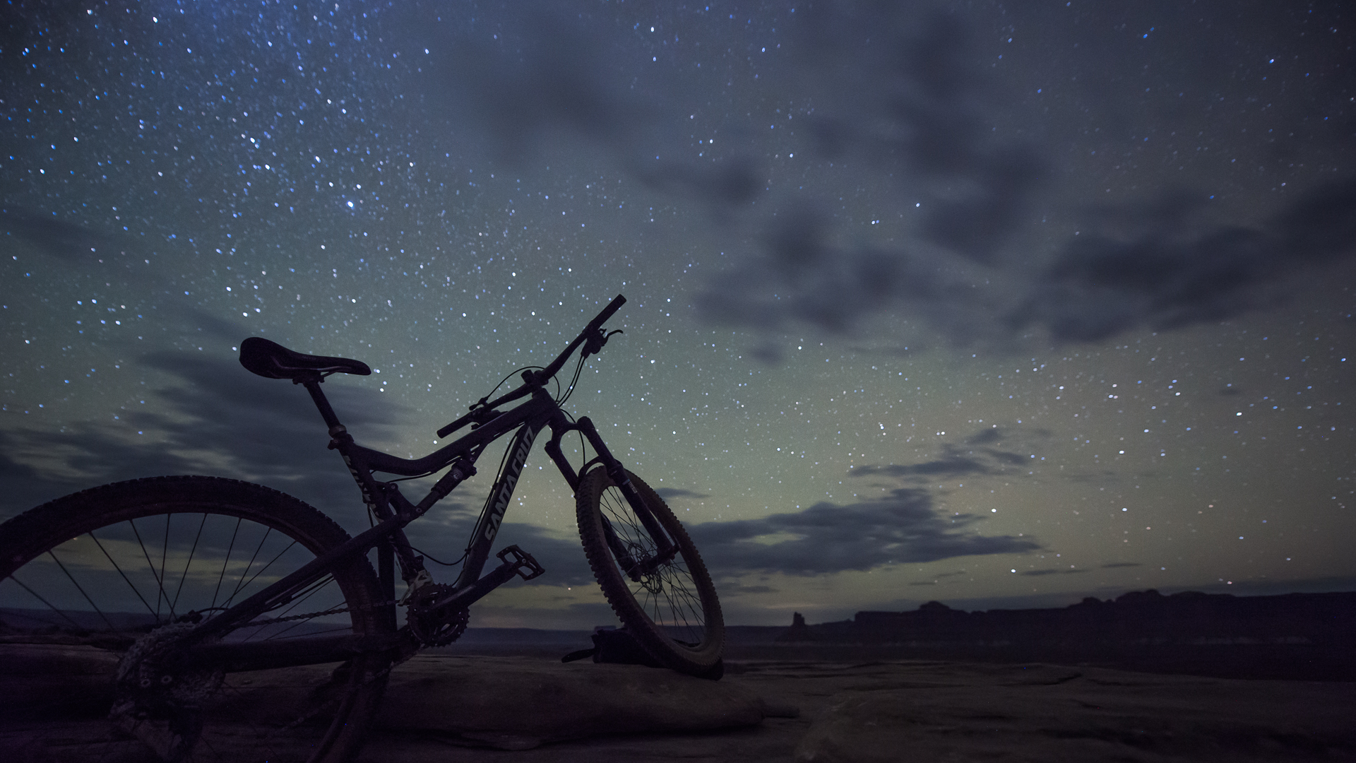 mountain bike starry nightscape