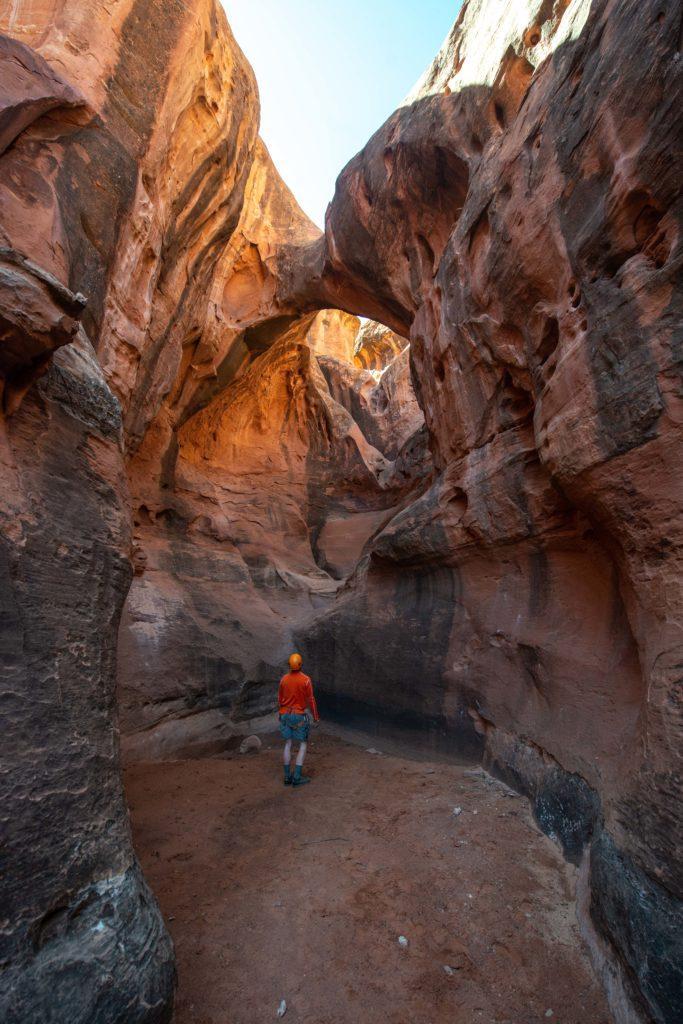 natural arch slot canyon canyoneering