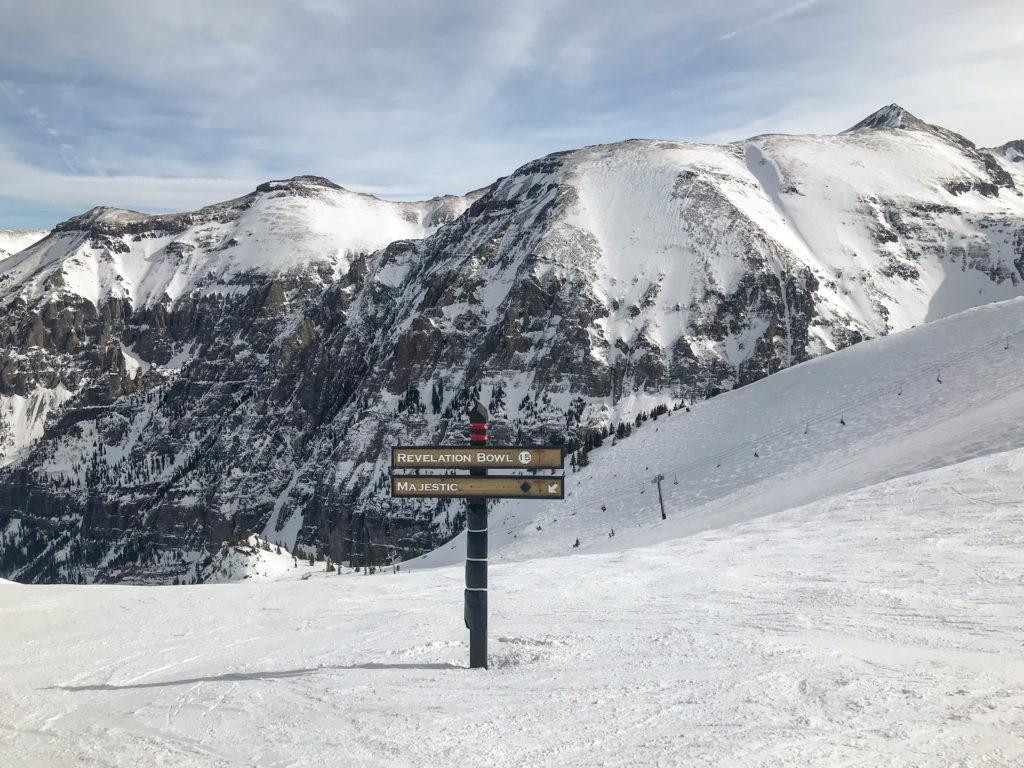 telluride ski resort covid tips trail sign