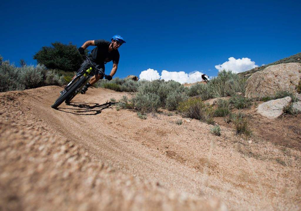 mountain biking Hartman Roacks