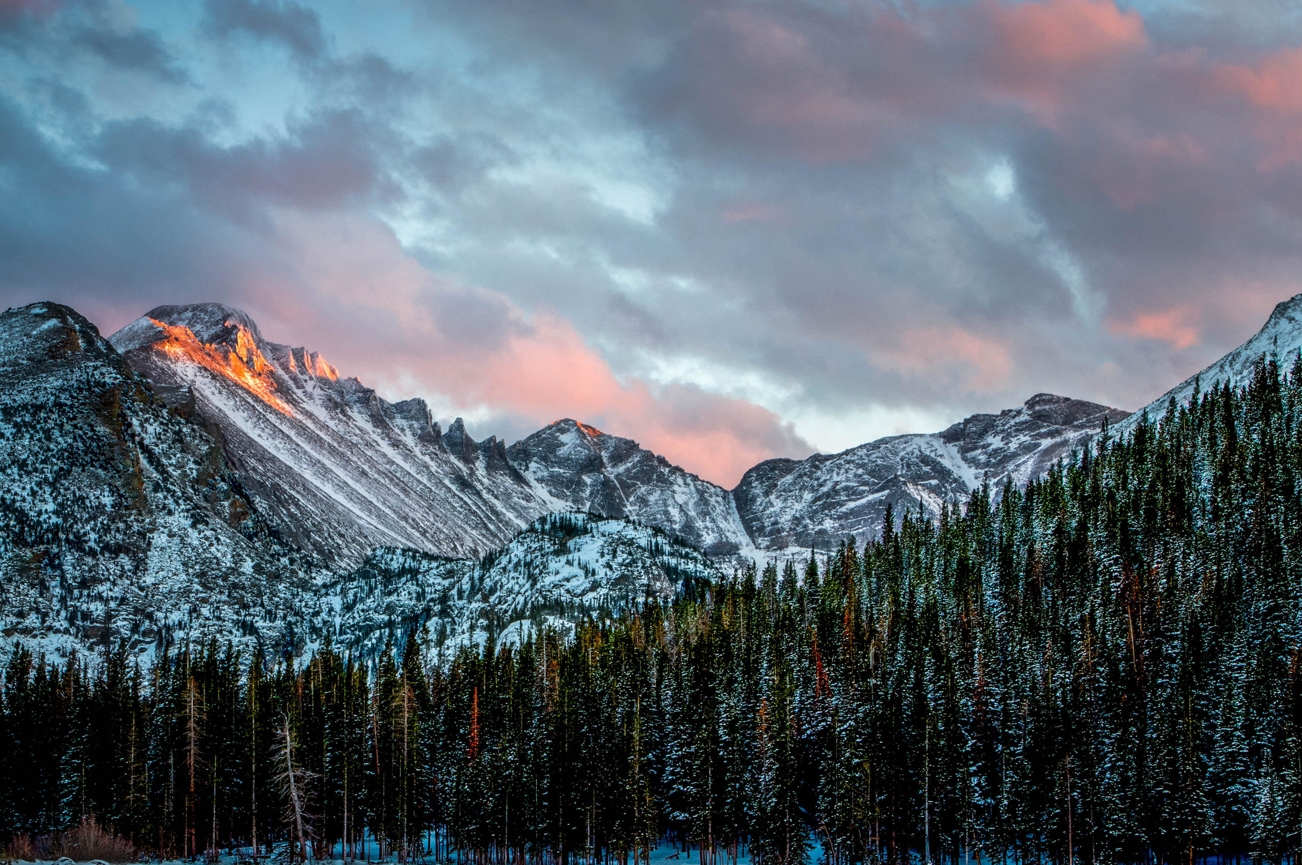 alpenglow sunset longs peak