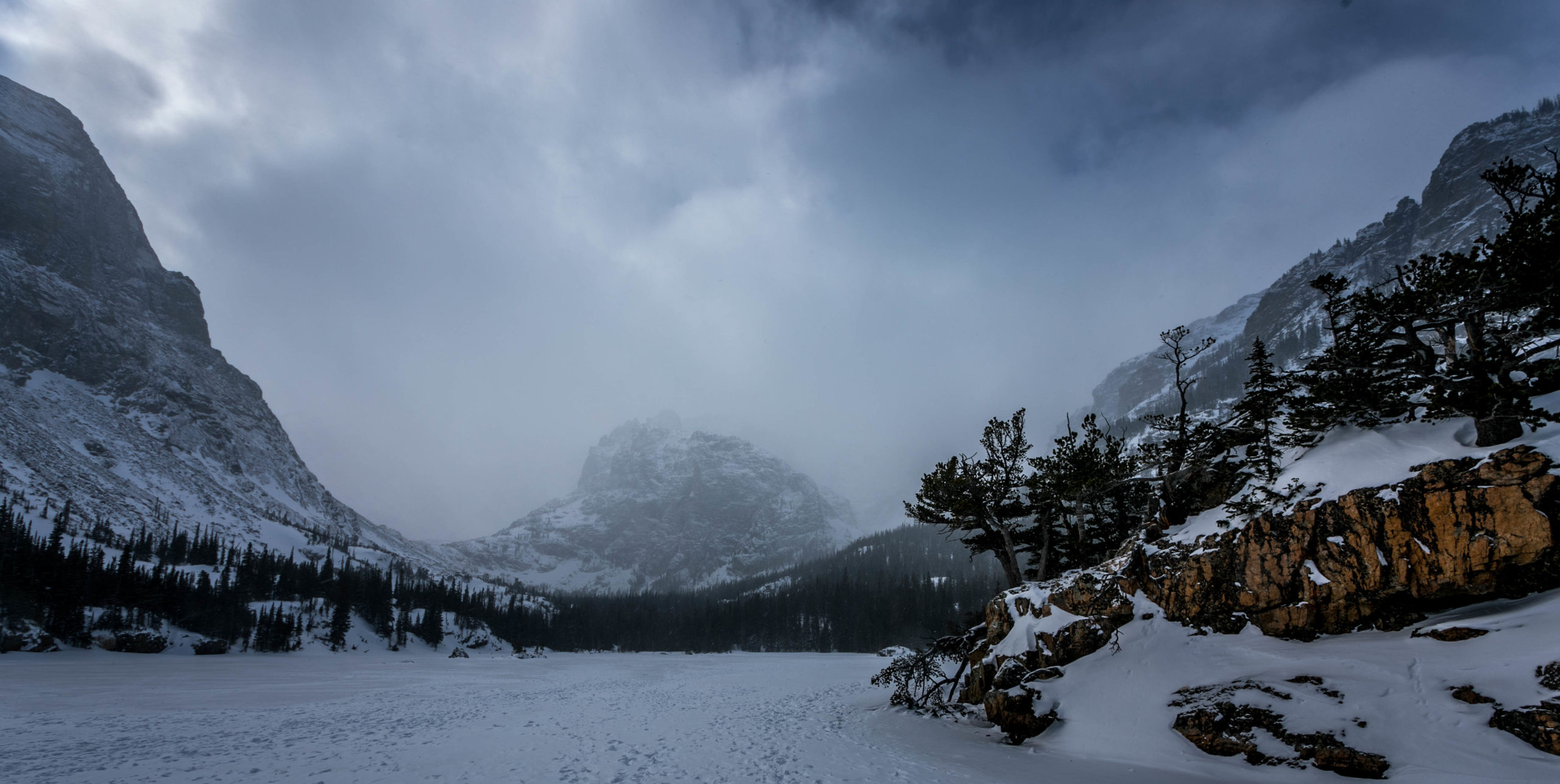 loch vale winter rocky mountain national park covid travel